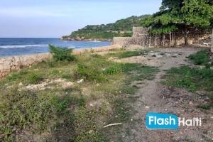 Magnifique Terrain Plage à Vendre à Ducroix/Route de Labadee, Cap-Haïtien