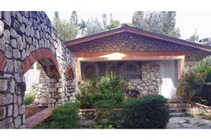 House For Sale In Thomassin.
